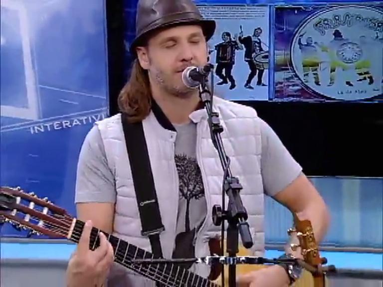 Falamansa fala sobre novo CD, Lá da Alma, no palco do Jornal da Record News