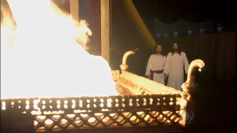 Abiú e Nadabe são atingidos por fogo e morrem - Entretenimento ...