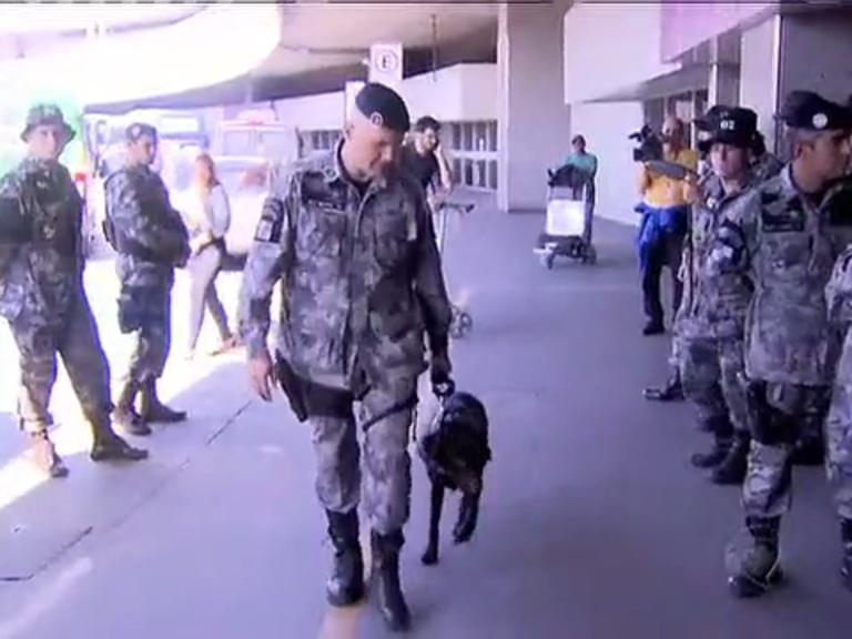 Rio 2016: polícia francesa chega ao Rio para ajudar no treinamento de cães em ações antiterrorismo