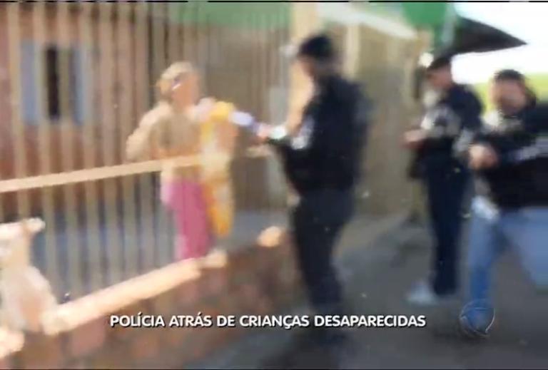 Polícia atrás de crianças desaparecidas