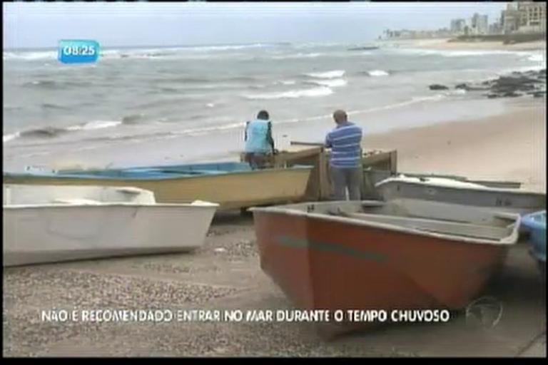 Mau tempo deixa mar agitado - Bahia - R7 Bahia no Ar