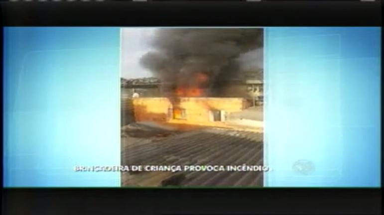 Brincadeira de criança provoca incêndio e destrói casa em BH ...