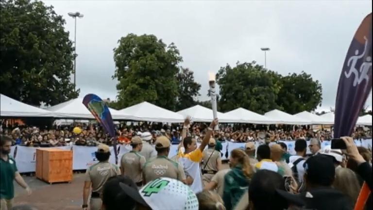 Revezamento da tocha olímpica chega a Pernambuco