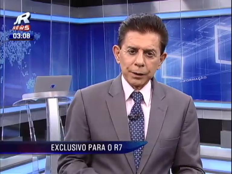 Heródoto agradece participação do público em talk show com equipe do JR News