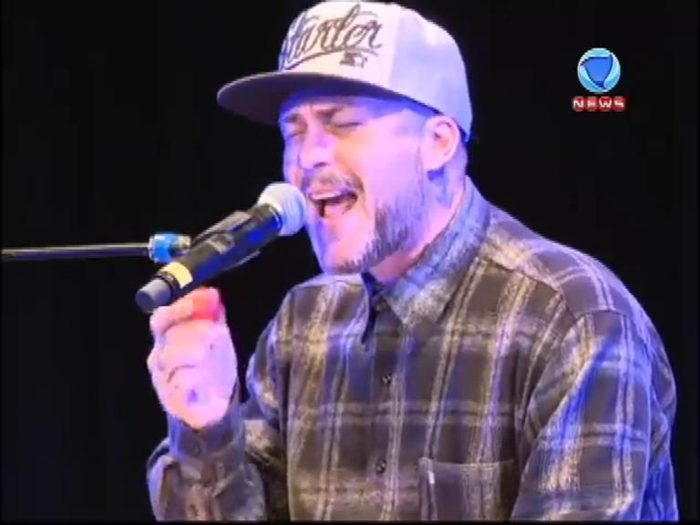 JR News Talentos: Heródoto Barbeiro recebe a banda Tihuana