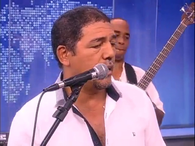 Fernando Ferrer e banda se apresentam no JR News Talentos