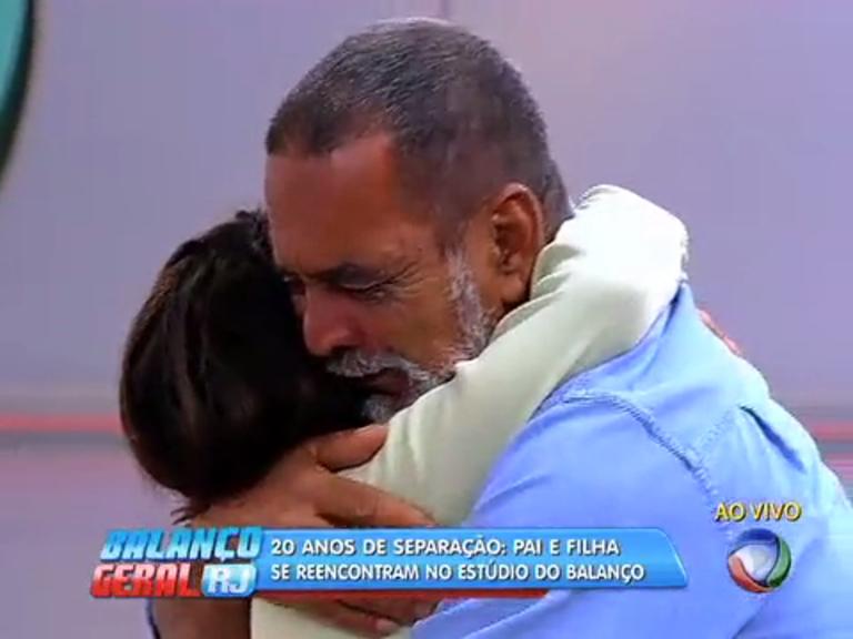 Bombeiro reencontra filha 20 anos depois - Rio de Janeiro - R7 ...