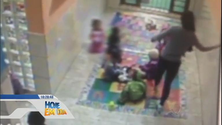Flagra: cuidadora agride criança de dois anos em creche de Porto ...
