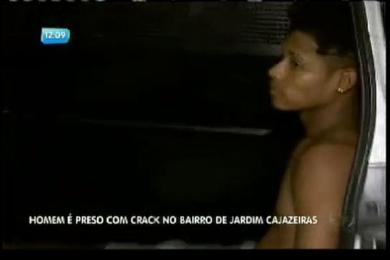 Homem é preso com crack no bairro de Jardim Cajazeira - Bahia ...