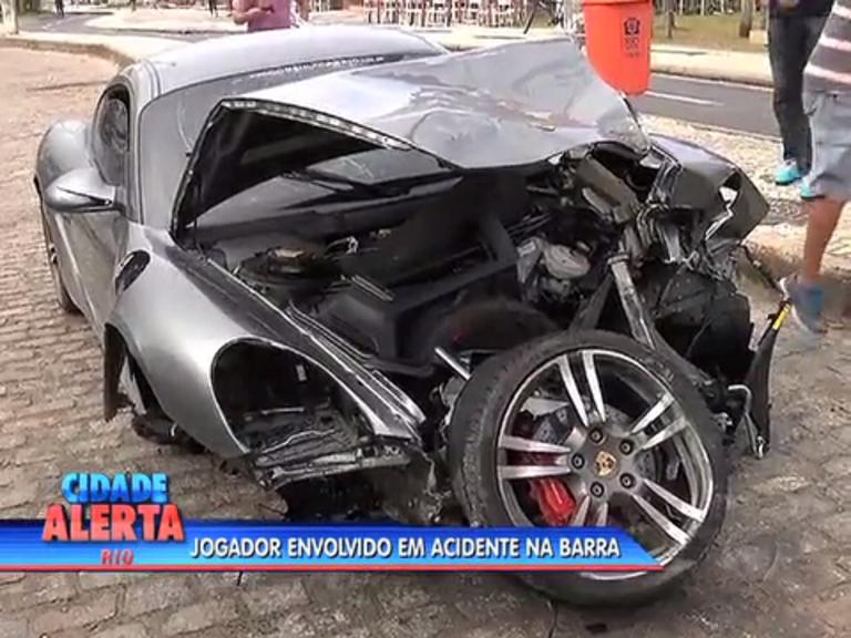 Jogador se envolve em acidente de carro na Barra da Tijuca - Rio ...