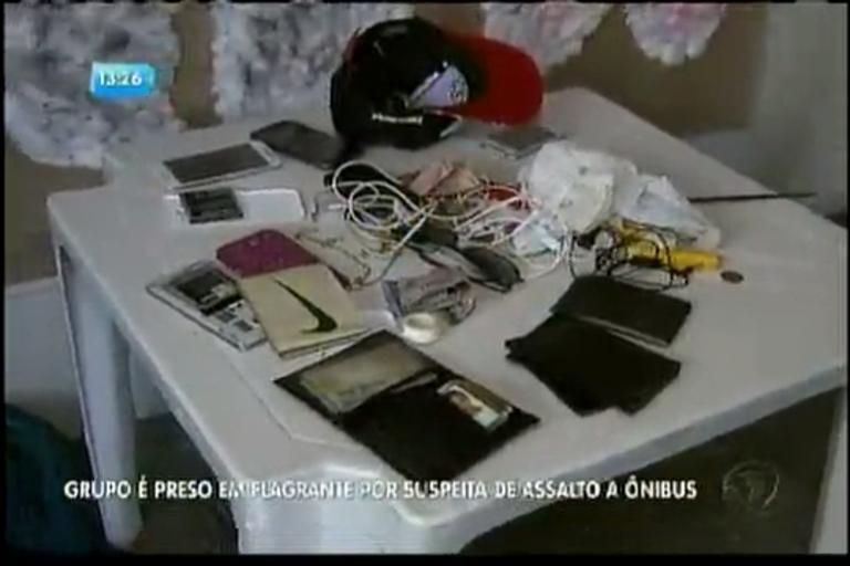 Grupo é preso em flagrante suspeito de assalto - Bahia - R7 ...