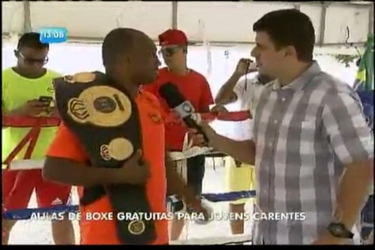 Aulas de boxe gratuitas para jovens carentes - Bahia - R7 Balanço ...