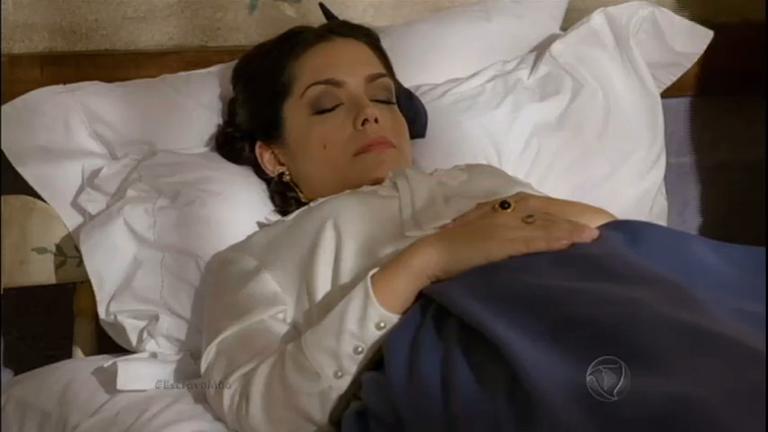 Maria Isabel desmaia e preocupa a família - Entretenimento - R7 ...