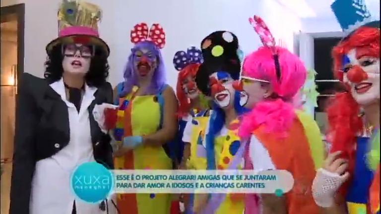 Toc Toc: Xuxa surpreende voluntárias e visita casa que acolhe ...