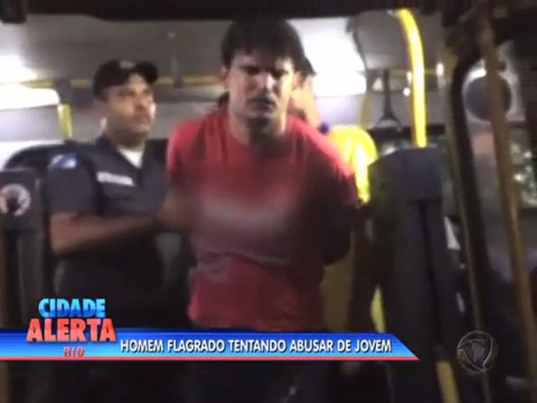 Homem é preso ao tentar abusar de jovem em ônibus - Rio de ...