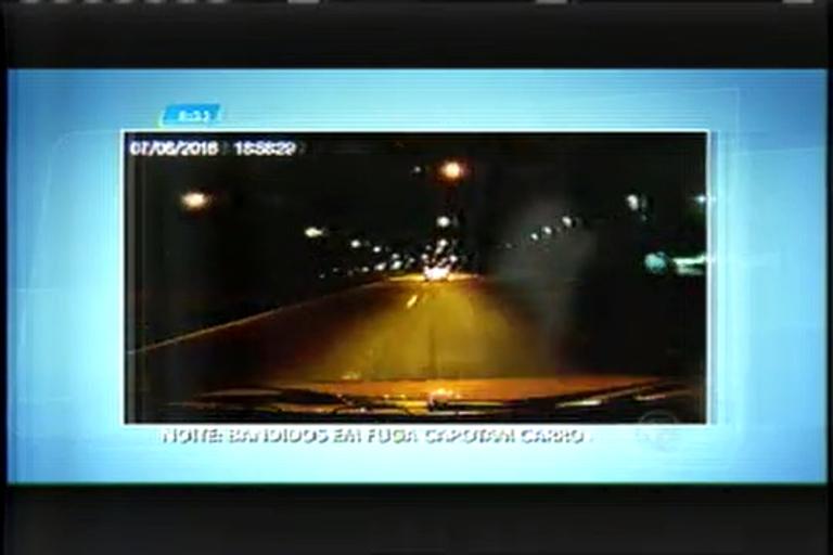 Criminosos em fuga capotam carro na região metropolitana de BH ...