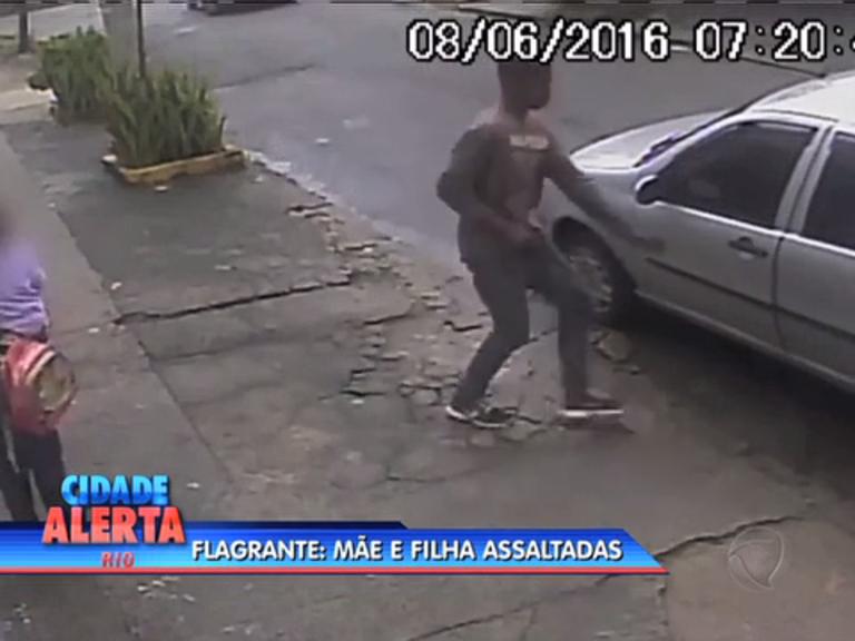 Mãe e filha são assaltadas na porta de creche em Guadalupe - Rio ...