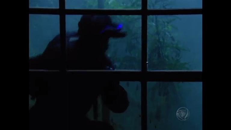 Criminoso misterioso invade a casa de Miguel - Entretenimento - R7 ...