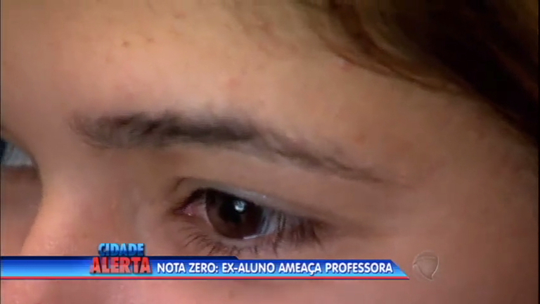 Professora é ameaçada de morte por ex-aluno de escola estadual ...