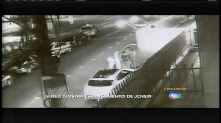 Espancamento de jovem na porta de boate foi filmado por câmera ...