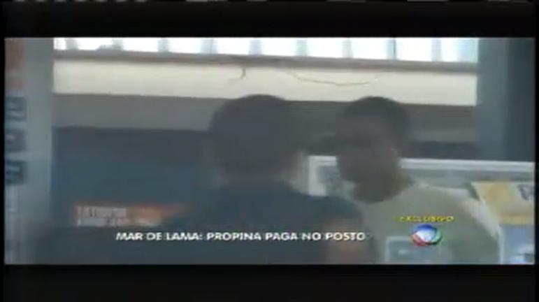 Mar de Lama: Vídeo da PF mostra vereador recebendo propina em ...