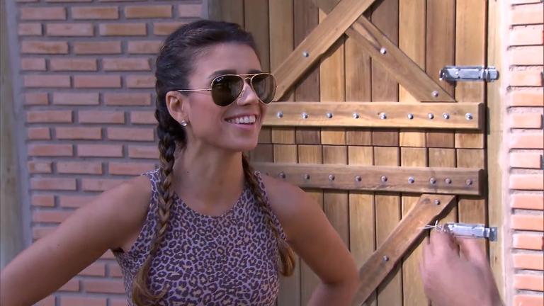 Sabrina Sato conhece a intimidade de Paula Fernandes ...