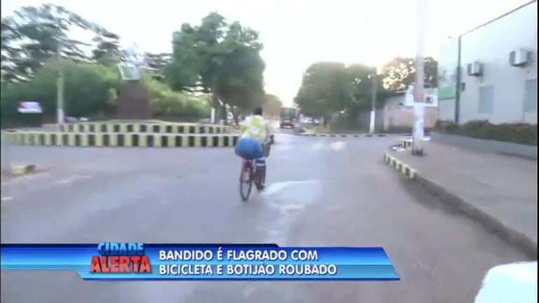 Equipe de reportagem flagra ação de criminoso em Belém ( PA ...