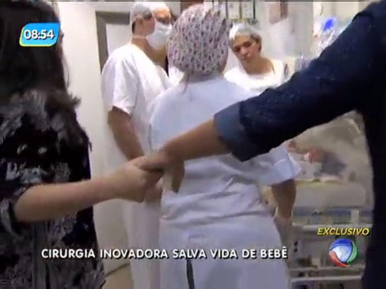 Cirurgia inovadora salva vida de bebê com má formação congênita