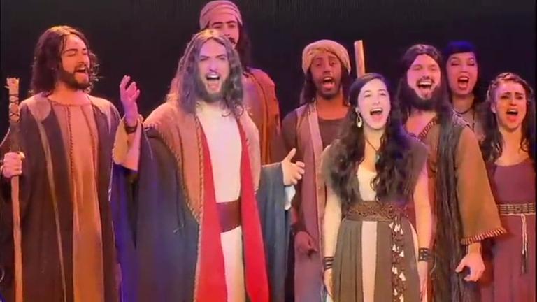 Jornalistas acompanham prévia do musical Os Dez Mandamentos ...
