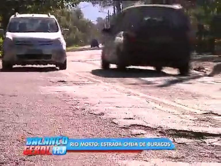 Motoristas que usam estrada do Rio Morto reclamam de pista ...