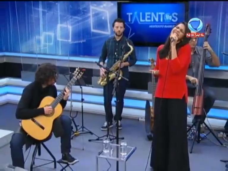 JR News Talentos recebe Carol Andrade com seu novo álbum ...