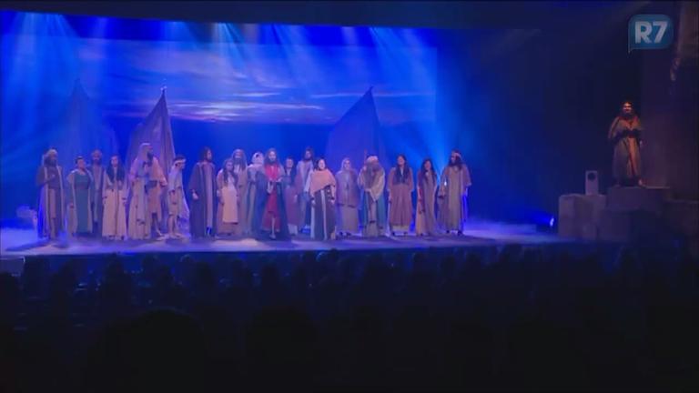 Os Dez Mandamentos, O Musical: na saída do espetáculo, público ...