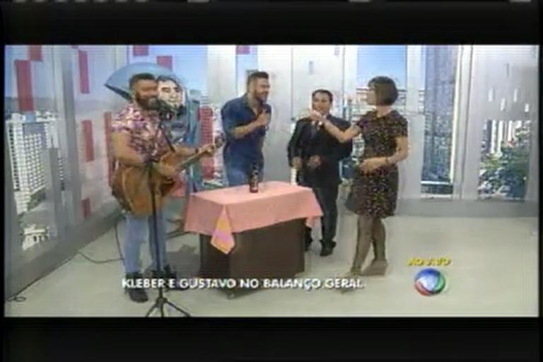 Kleber e Gustavo cantam ao vivo no Balanço Geral MG - Notícias ...