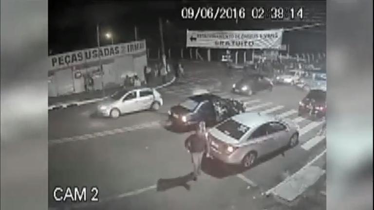 Novas imagens mostram abordagem policial que terminou na morte ...