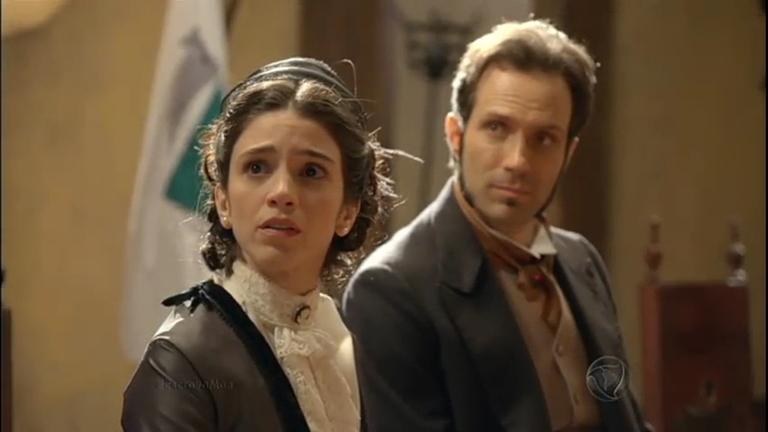 Teresa vai às lágrimas ao denunciar Guilherme ao capitão Loreto ...