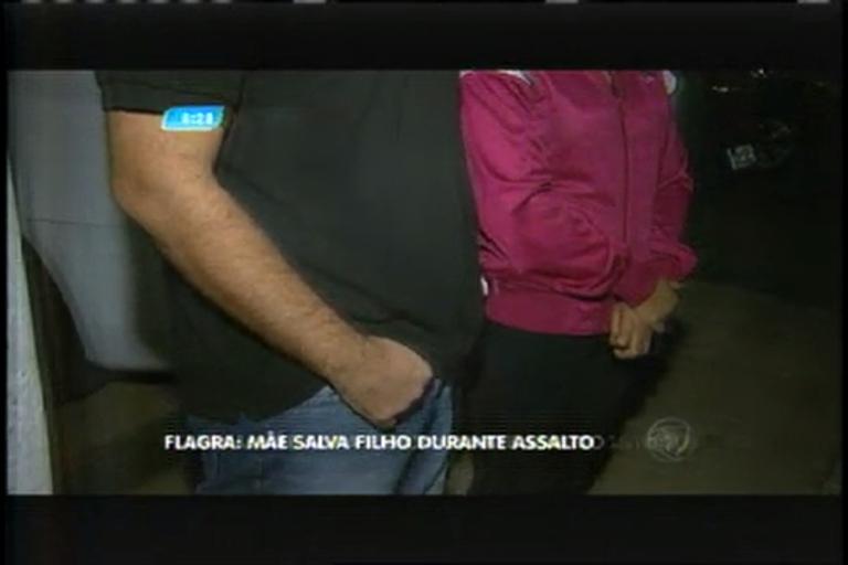 Mãe salva filho durante assalto na região noroeste de Belo Horizonte