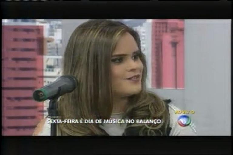 Amanda Garcias canta sucessos da música sertaneja no Balanço ...