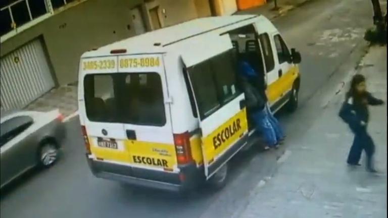 Câmeras registram duplo assalto em Belo Horizonte (MG)
