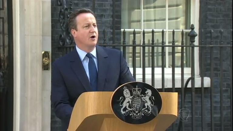 Britânicos decidem sair da União Europeia e primeiro-ministro renuncia ao cargo