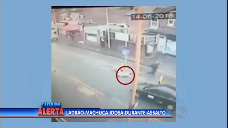 Flagrante: ladrão tenta roubar idosa e arrasta a vítima…