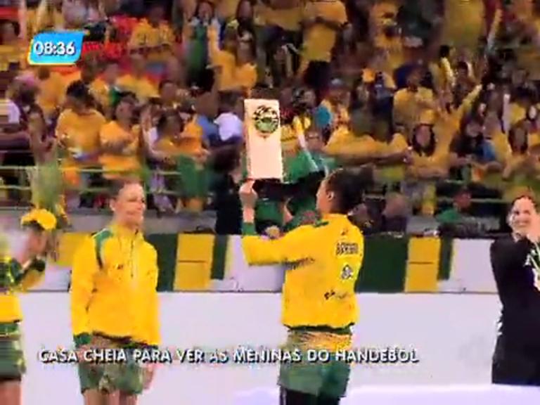 Seleção feminina de handebol vence Suíça em amistoso na Arena do Futuro