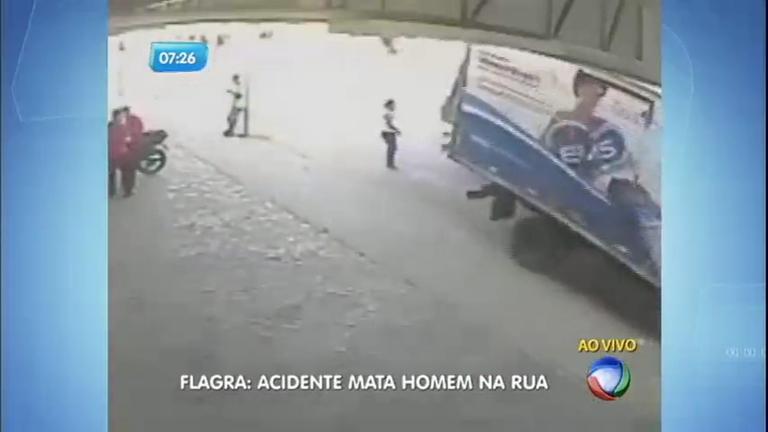 Acidente entre dois caminhões mata homem em Minas Gerais