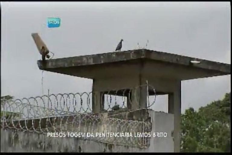 Presos fogem da Penitenciária Lemos Brito - Bahia - R7 Balanço ...