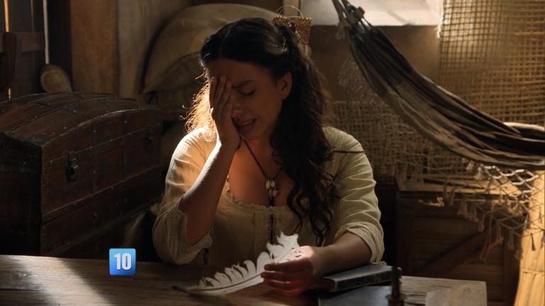Juliana nem imagina que seu grande amor, Miguel, está vivo. Não perca as emoções de Escrava Mãe!