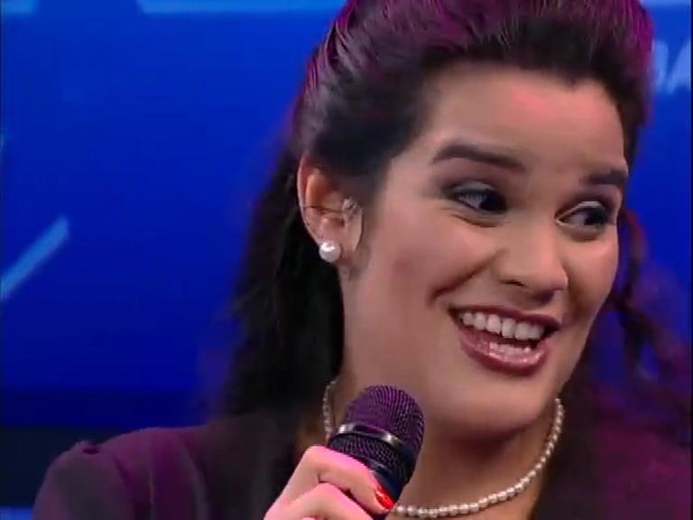 Programa Talentos recebe a cantora Larissa Lima