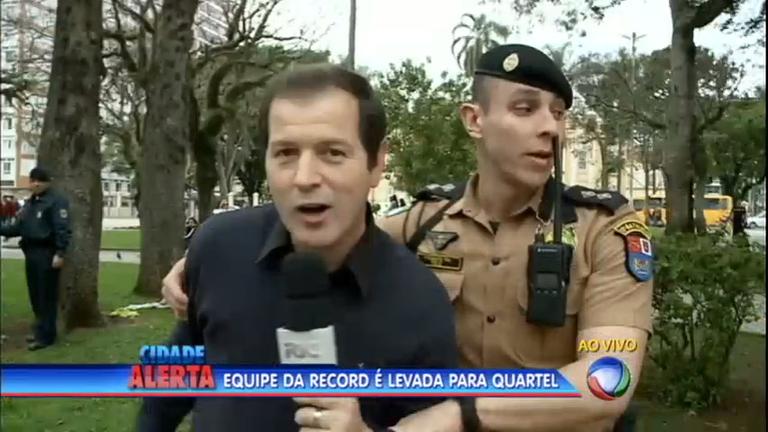 Equipe da Record é presa durante cobertura jornalística no centro ...
