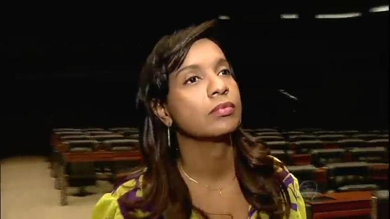 Deputada Tia Eron sofre preconceito racial na internet e afirma que ...