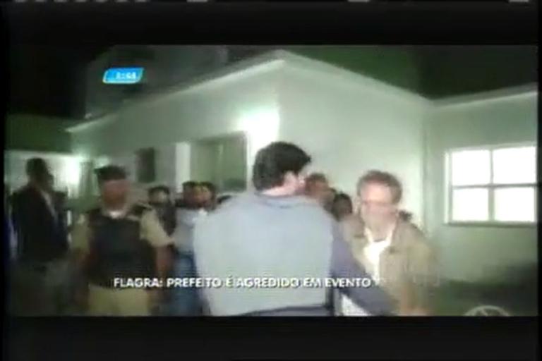 Prefeito de São Sebastião do Paraíso (MG) leva soco de mulher ...