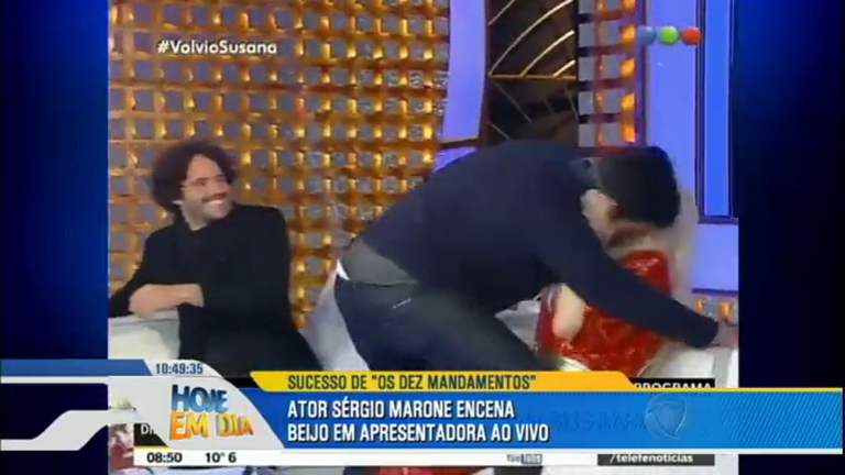 Sérgio Marone dá beijo de tirar o fôlego na mais famosa ...