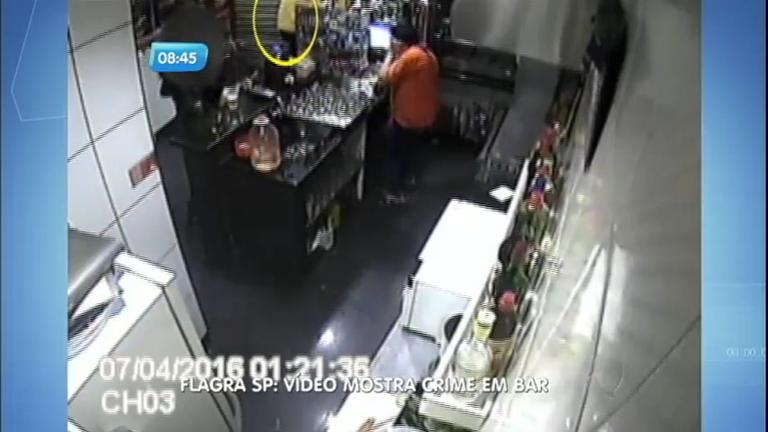 Flagra: vídeo mostra execução de dono de bar no centro de São ...